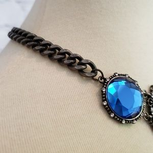 """Glam Girl Fashion Jewelry - NWT Blue Crystal Statement Necklace 16.5"""""""